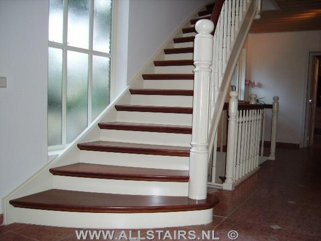Voor een imposante dichte bovenkwartslagtrap met for Dichte trap maken